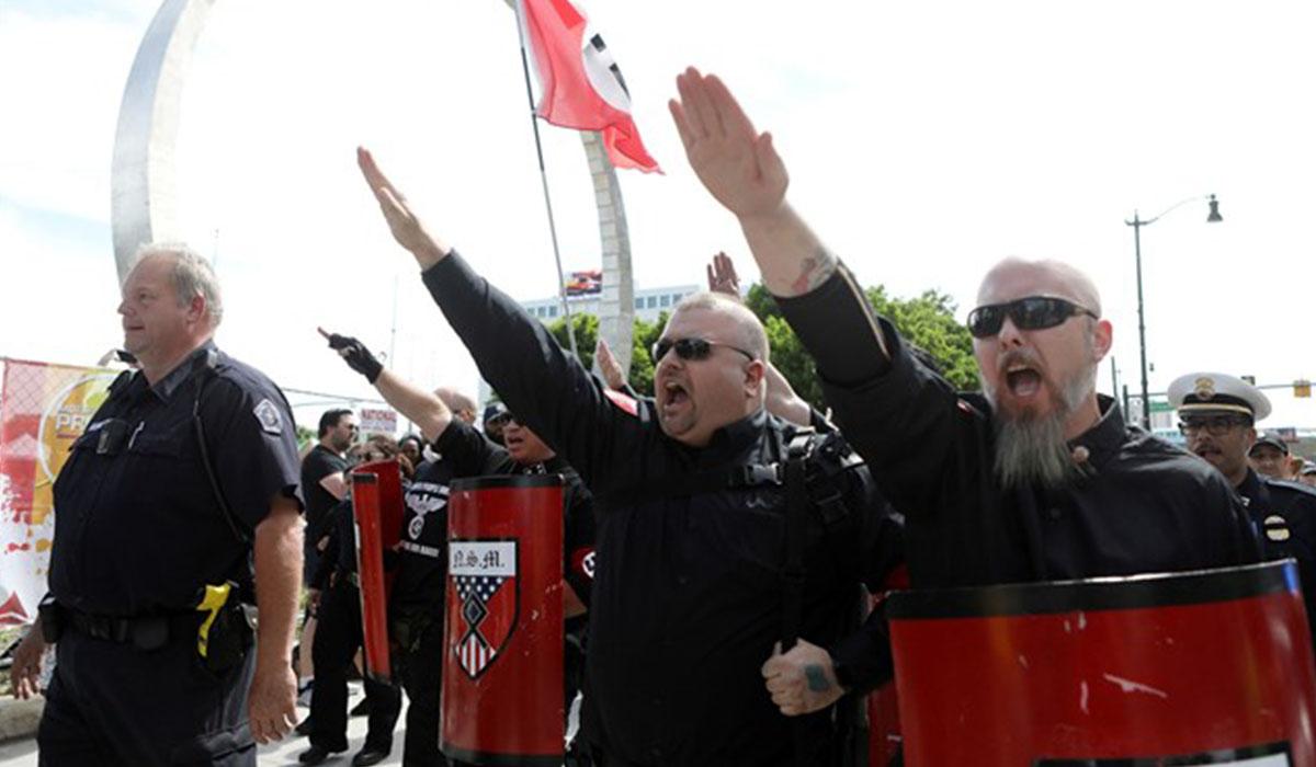 Un grupo neonazi interrumpe el Desfile del Orgullo en Detroit. | EUROPA PRESS