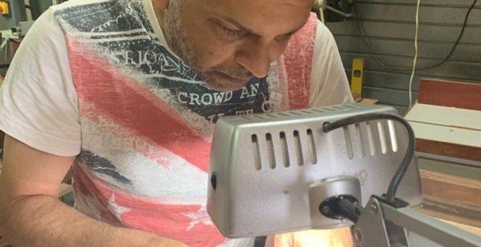 """Francisco Rodríguez, un 'luthier' de prestigio que llegó al timple """"gracias"""" a la crisis"""