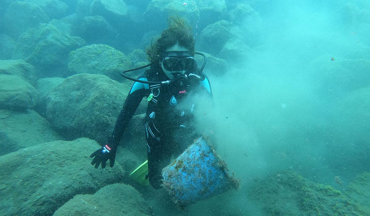 Retiran más de 4.000 kilos de basura de los fondos marinos canarios