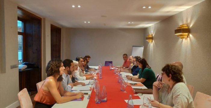 PSOE, Unidas y Avante perfilan la estructura del Ejecutivo lagunero
