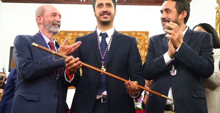 El Gobierno tripartito lagunero se organiza en 14 concejalías