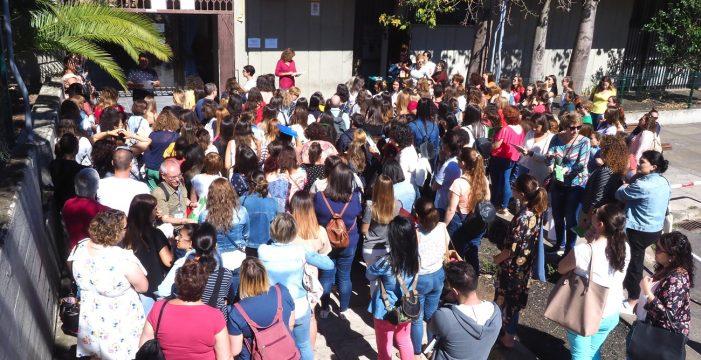 Educación y sindicatos acuerdan una oposición de 1.377 plazas para docentes de Secundaria, FP y EOI