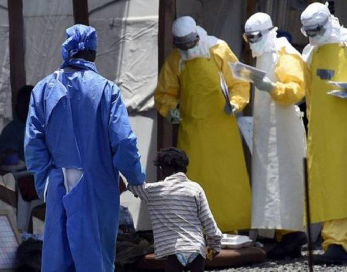 Emergencia internacional: registran 200 ataques al personal sanitario y hospitales para conseguir el tratamiento del ébola