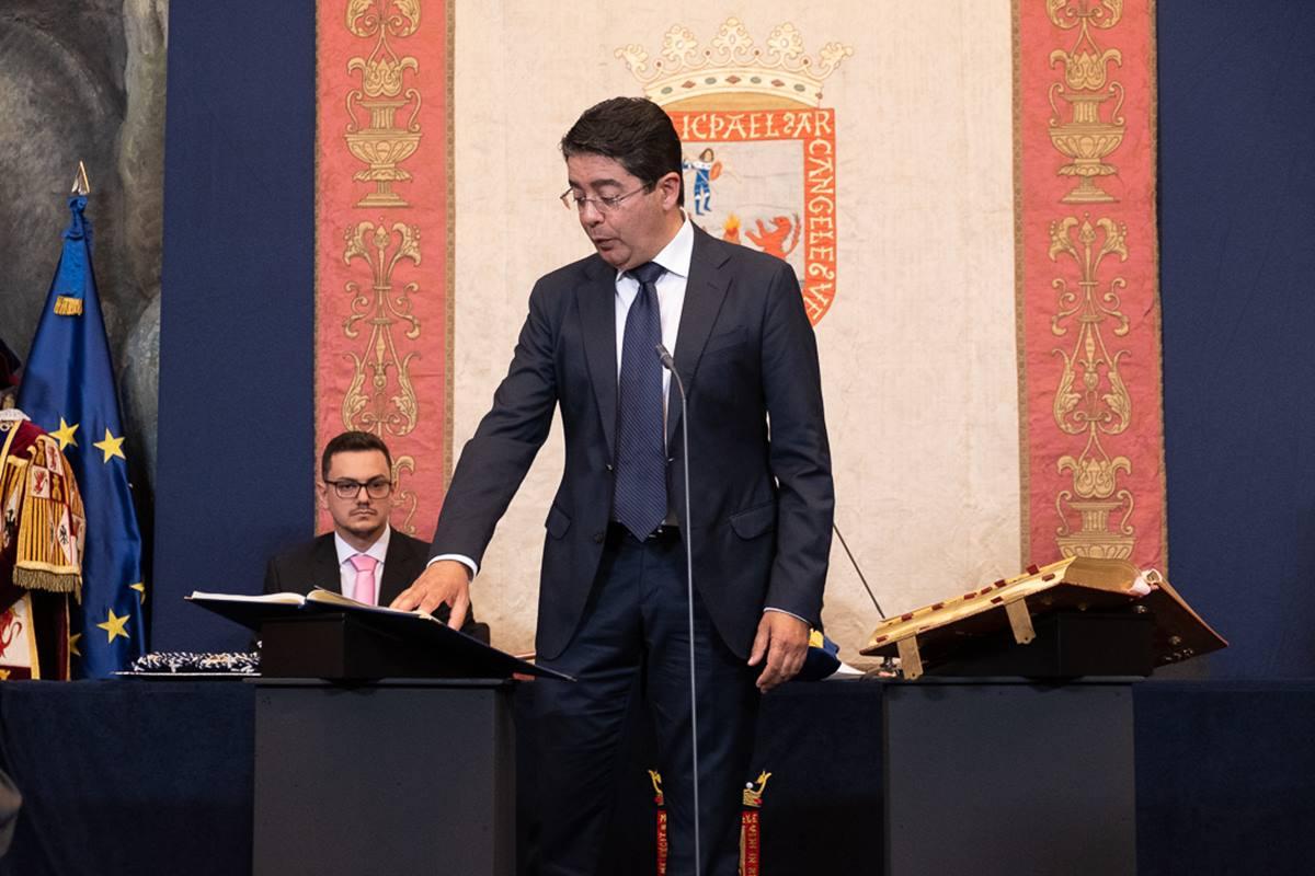 El virtual presidente del Cabildo de Tenerife, Pedro Martín (PSOE), si prospera la moción de censura contra Carlos Alonso (CC). Fran Pallero