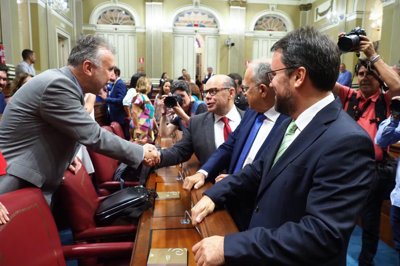 Debate de investidura de Ángel Víctor Torres (PSOE) en el Parlamento de Canarias. FOTO Sergio Méndez