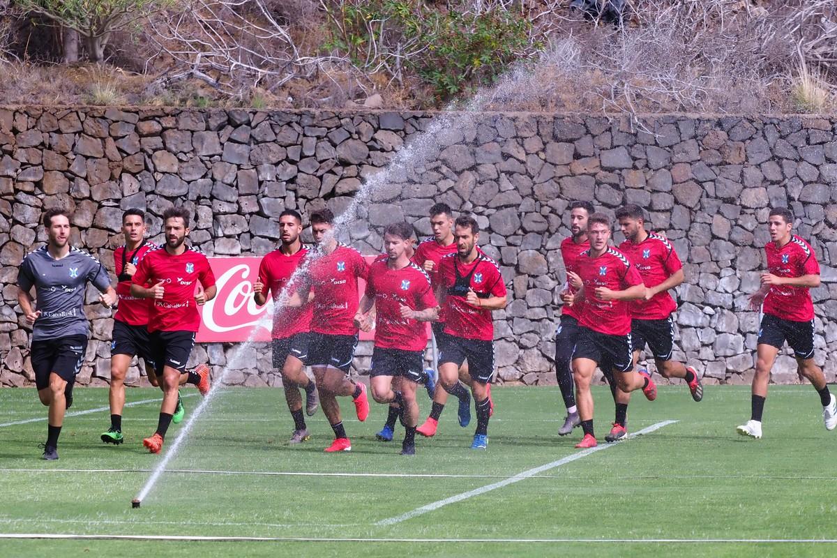 El primer equipo entrenó en El Mundialito y pasó parte de los reconocimientos médicos. Sergio Méndez