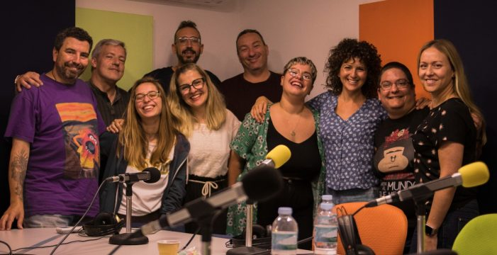 'Radio Himalia' cumple 100 programas