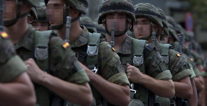 Insultos, puñetazos y tartazos: la tensa trifulca entre dos soldados acaba en condena