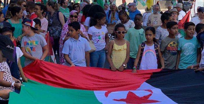 Unas 150 personas reivindican en Santa Cruz los derechos del pueblo saharaui