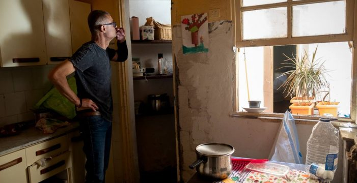 La alegría de Daniel Veas: un alquiler social le permite salir de su casa en ruinas y un nuevo riñón