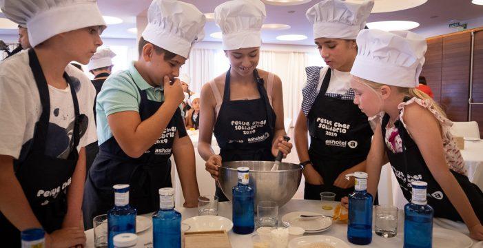 24 'pequechef' se divierten cocinando en el Mencey
