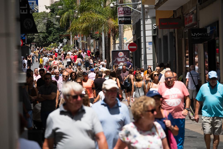 La calle Castillo era un río de gente. Fran Pallero