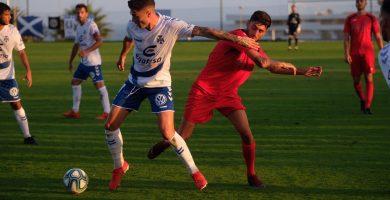 El CD Tenerife gana su primer partido de pretemporada tras golear (0-9) al CD Águilas