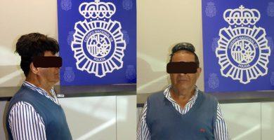 Detienen a un hombre que ocultó medio kilo de cocaína bajo su peluquín