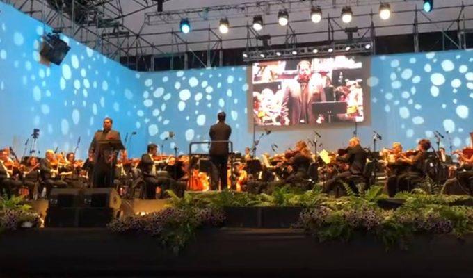 El tenor tinerfeño Celso Albelo brinda una actuación magistral en el Costa Adeje Sinfónico