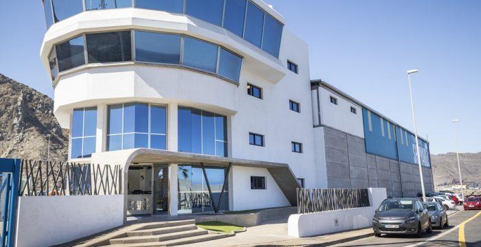 Tenerife Shipyards pide a la Autoridad Portuaria que apoye el dique flotante con hechos