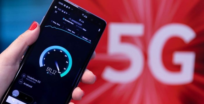 El Gobierno dará hasta 680 euros a las comunidades de propietarios para el 5G