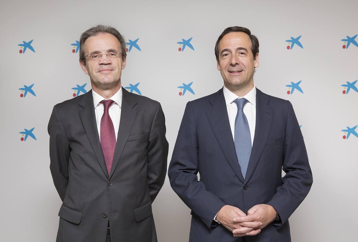 El presidente de la entidad, Jordi Gual, y el consejero delegado, Gonzalo Gortázar. DA