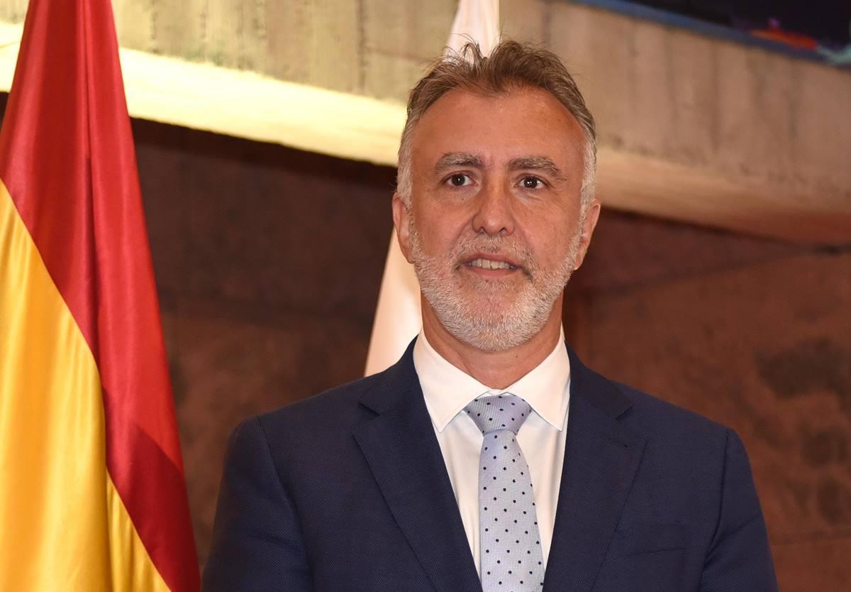 Torres (Psoe) ya ostenta la Presidencia del Gobierno de Canarias. Sergio Méndez