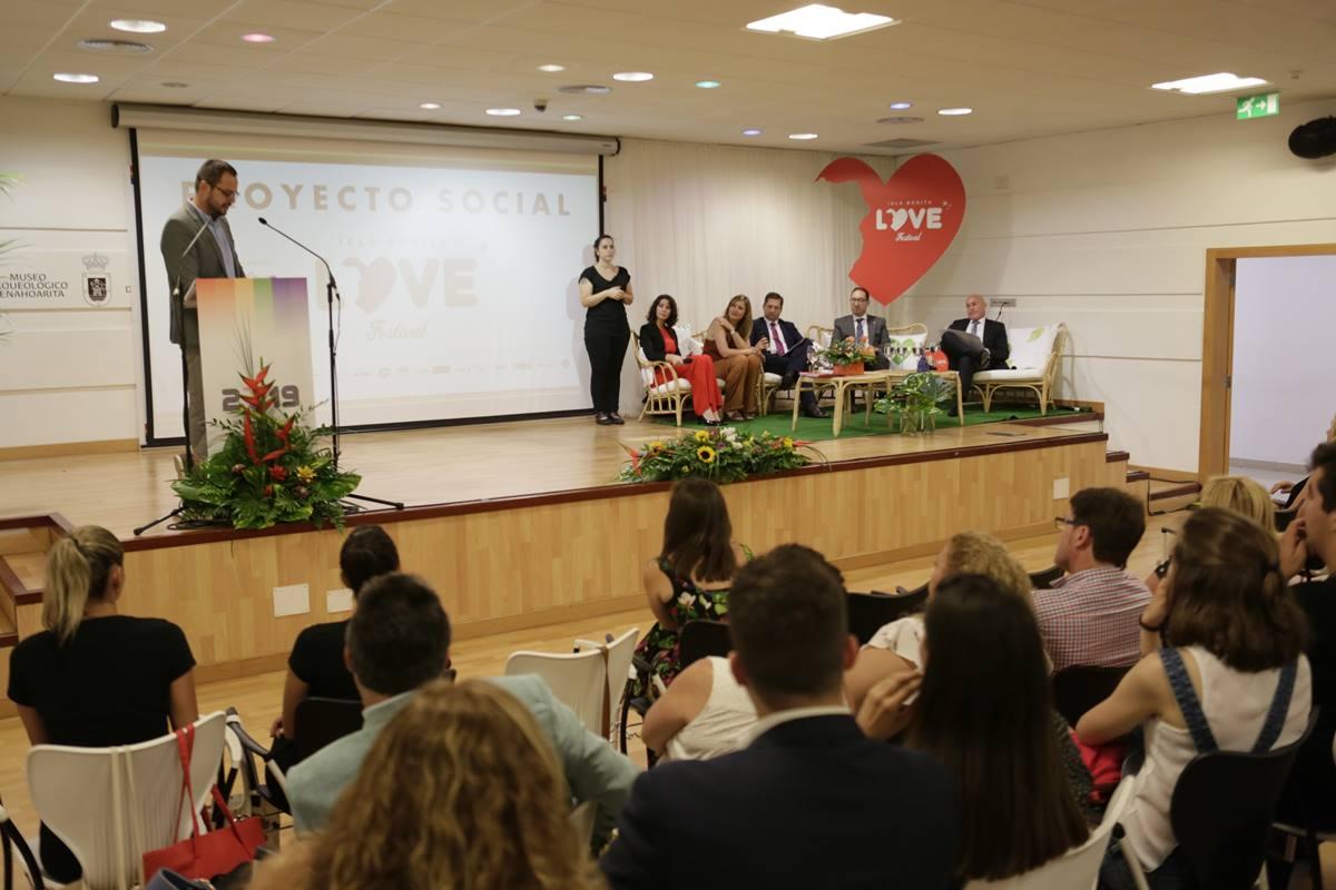 Las magistradas Gloria Poyatos y María Galván intervinieron ayer en las Jornadas Jurídicas que cerraron el programa social de la IV edición del Isla Bonita Love Festival. DA