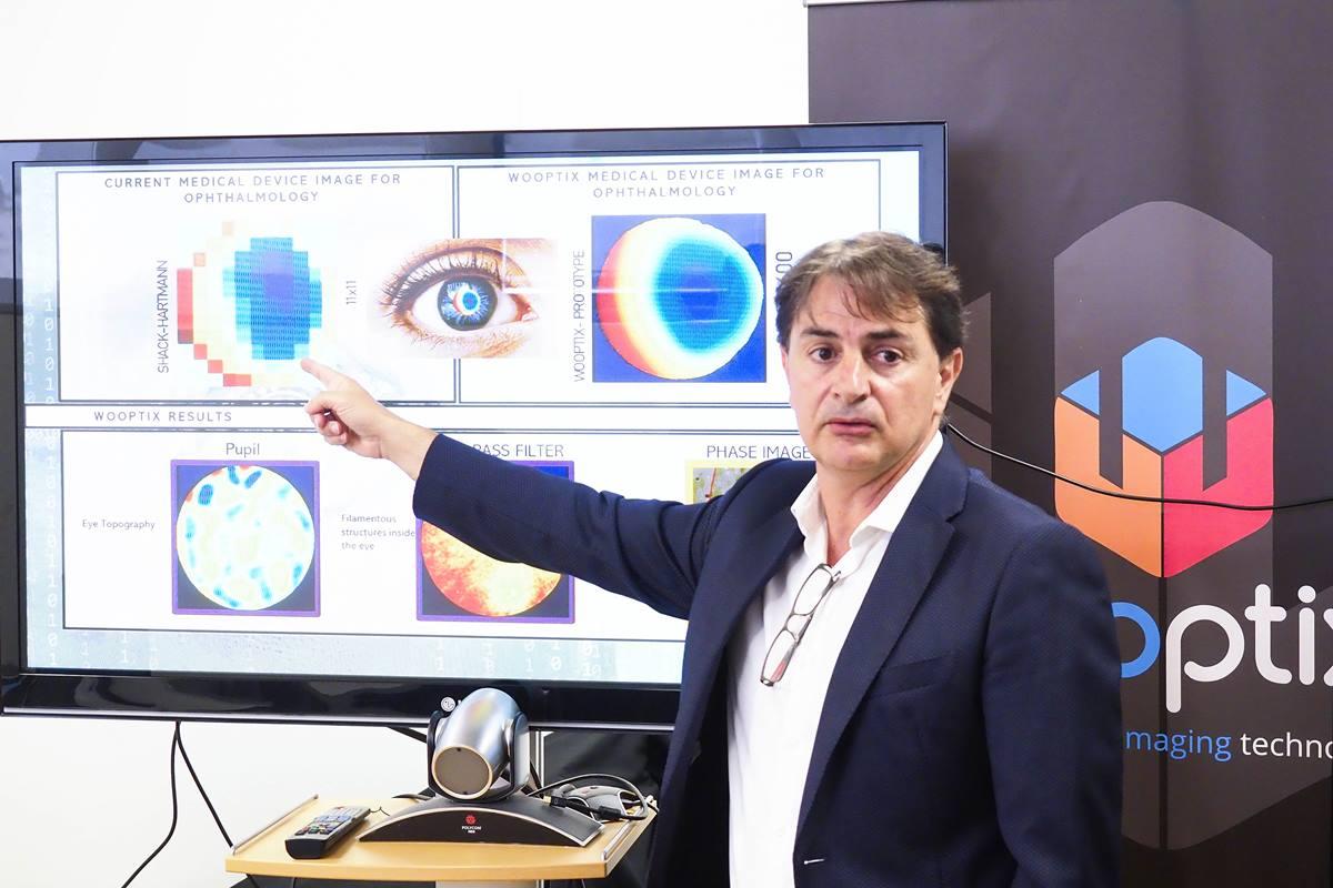 José Manuel Rodríguez mostró al ministro las enormes potencialidades que ofrece el 3D. Sergio Méndez