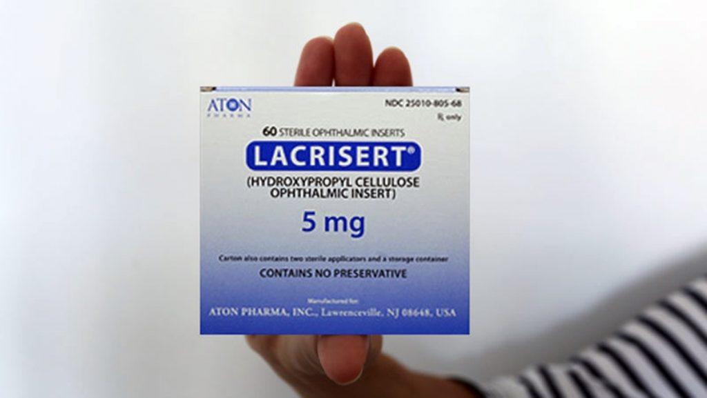 """Cristi, operada cuatro veces debido al ojo seco severo, encontró en el Lacrisert una solución, pero Canarias no lo autoriza. """"Me obligan a realizar una compra ilegal, como una drogadicta"""", declara a DIARIO DE AVISOS"""