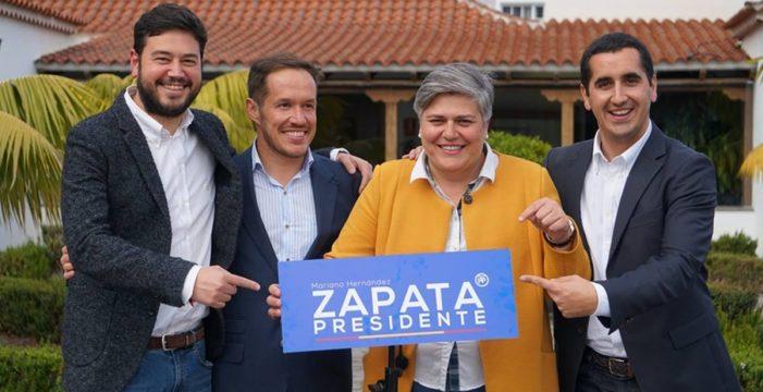 """El PP planta cara a Génova bajo la consigna de """"todos con Mariano"""""""