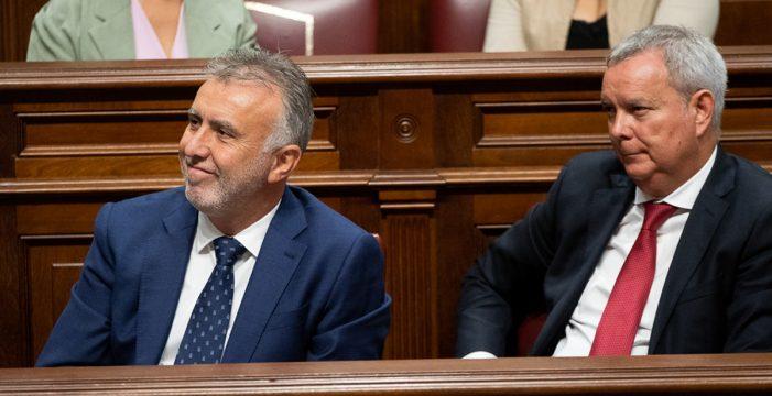 Franquis, consejero de Obras Públicas; Economía, para el PSOE de Tenerife