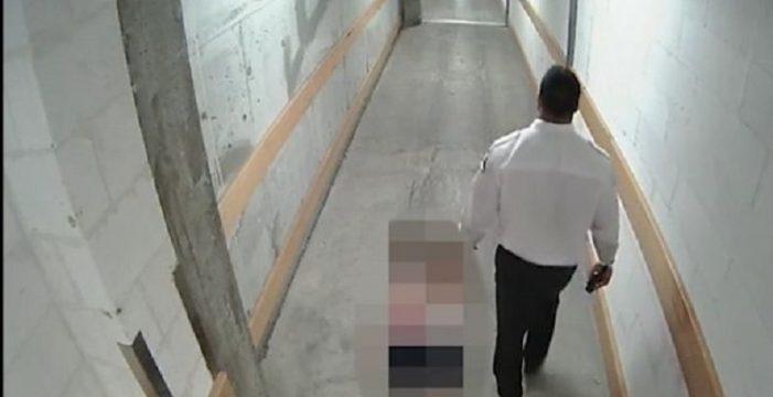 Un vigilante de seguridad de un centro comercial abusa sexualmente de una niña perdida y la devuelve a sus padres