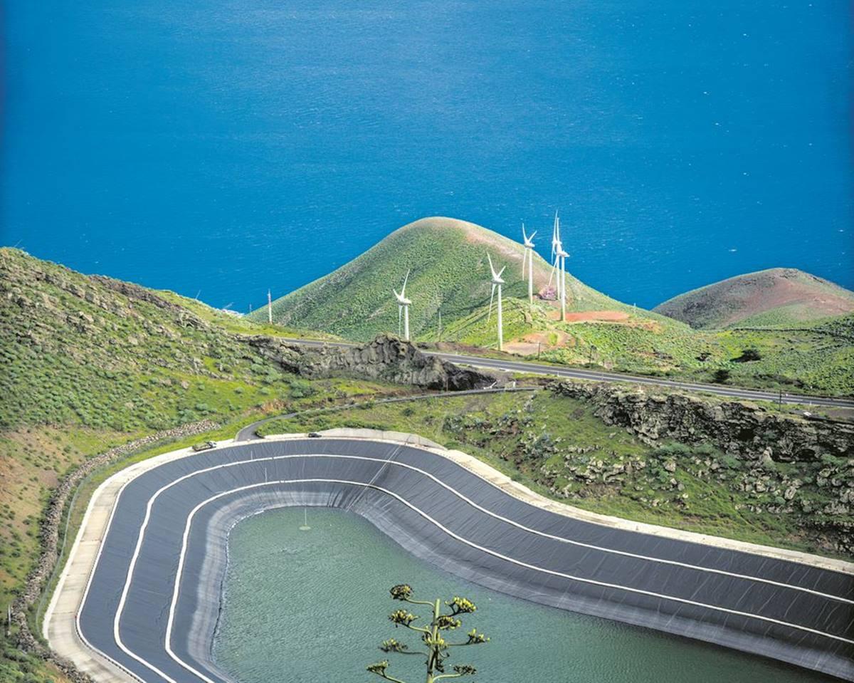 El Hierro, más cerca de ser la isla de Europa 100% renovable tras el récord de Gorona del viento. DA