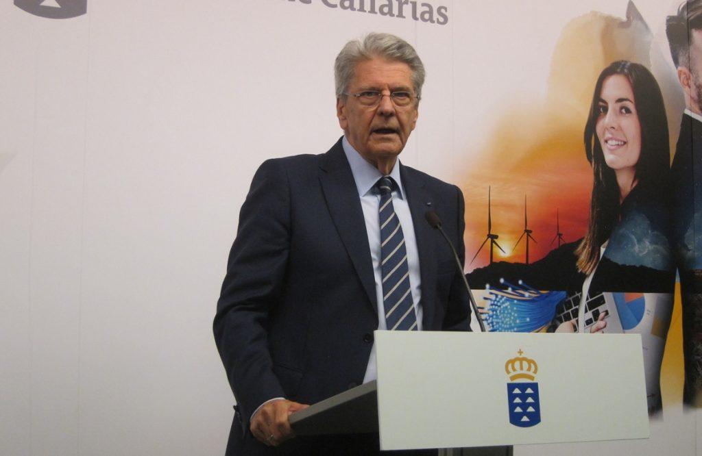 Resultado de imagen de portavoz del Gobierno de Canarias Julio Cruz