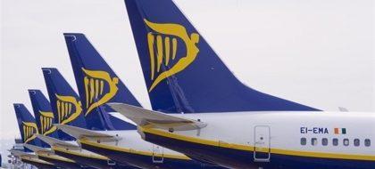 Ryanair cerrará sus bases canarias el 8 de enero, pero mantendrá la de Girona