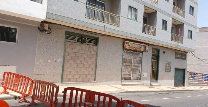 Se mantiene el desalojo de un edificio en Arona por daños estructurales