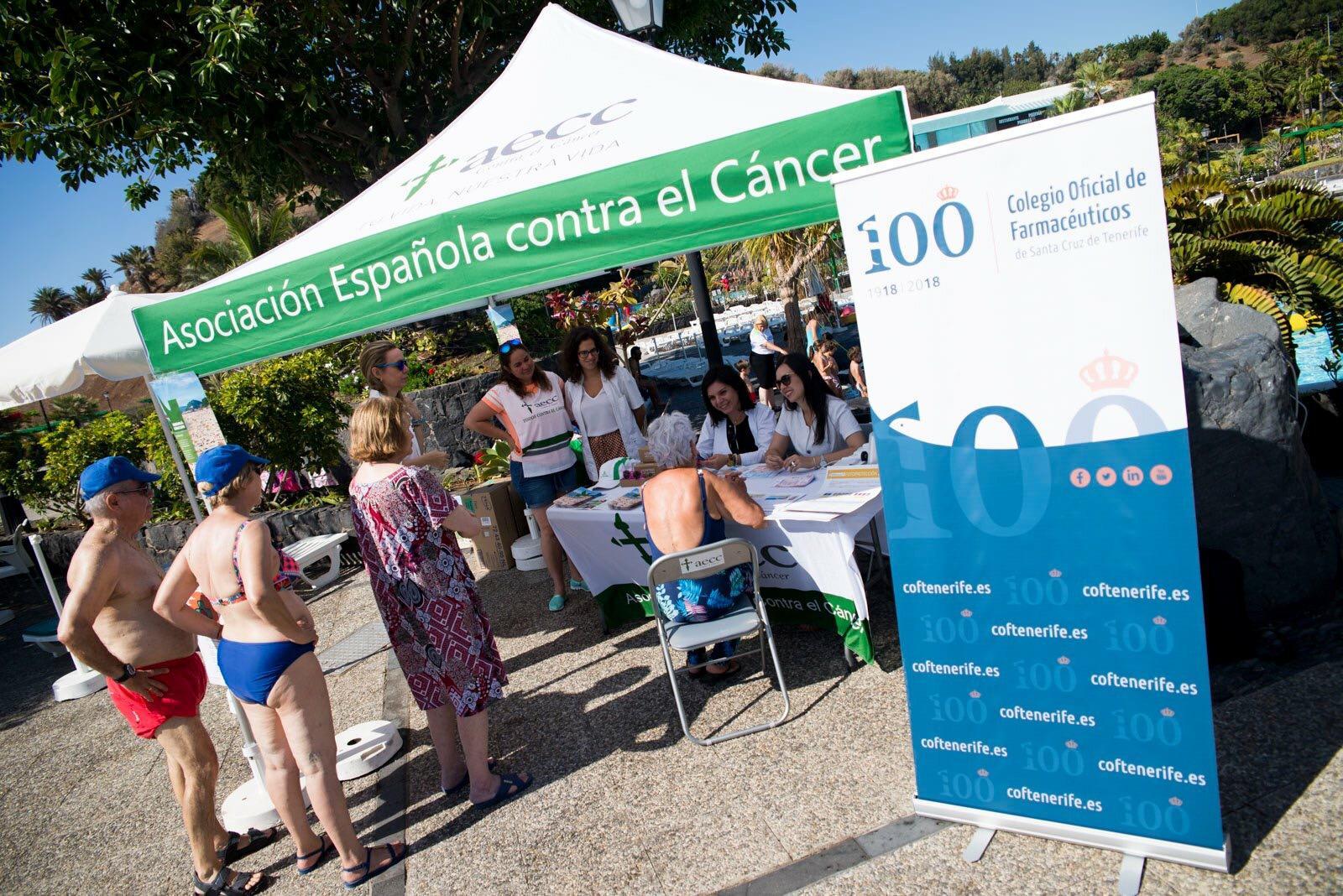 El Parque Marítimo de Santa Cruz de Tenerife acogió una de las carpas informativas. DA