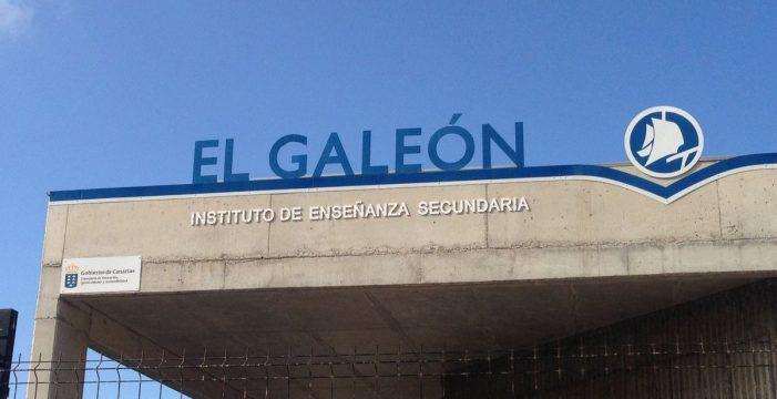 El IES Galeón propone ordenadores de 600 euros y uniforme para los alumnos