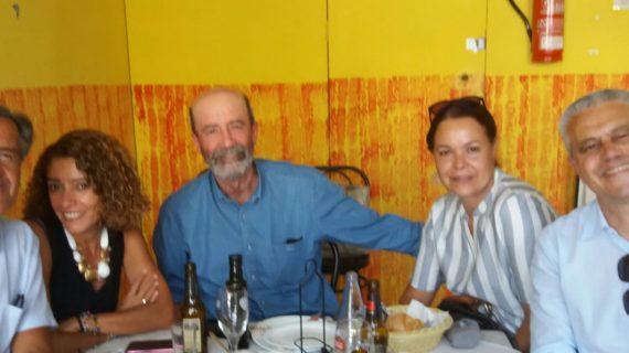 Un almuerzo informal en Tenerife de compañeros de viaje