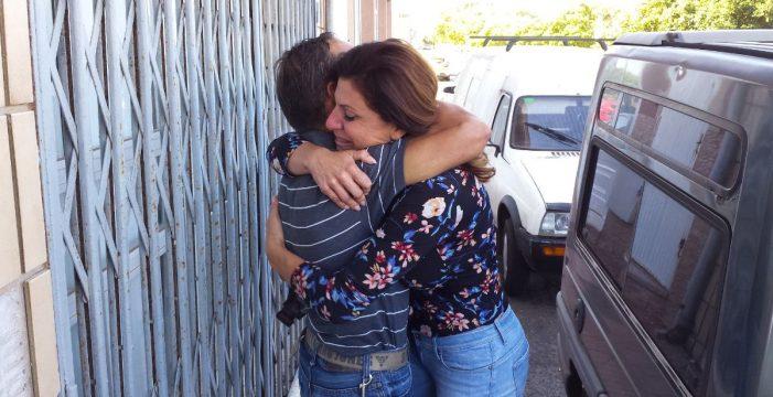 """Afectados por el cierre del comedor social de El Fraile: """"Nos lo han quitado todo"""""""