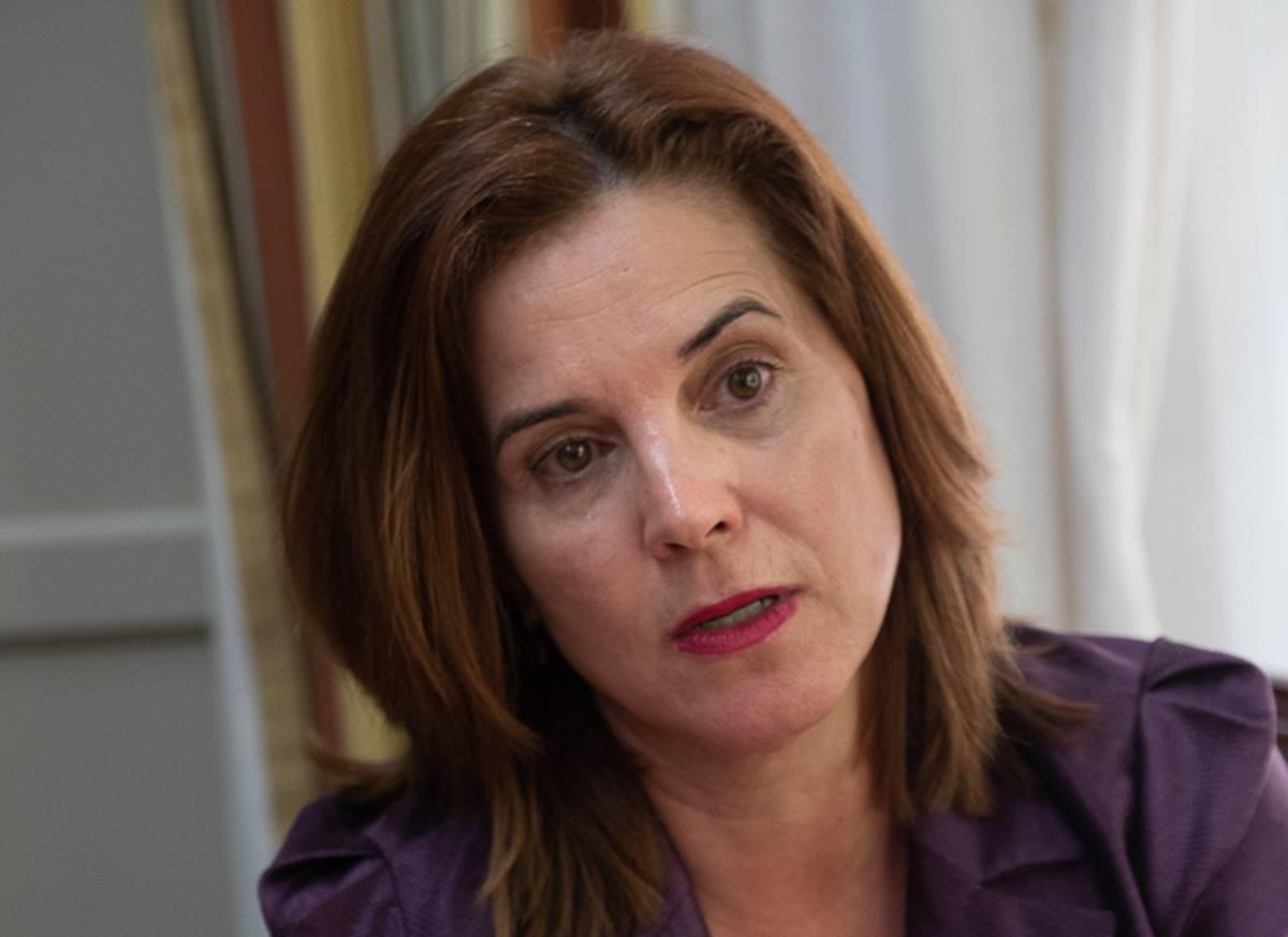 Teresa Cruz Oval. Fran Pallero
