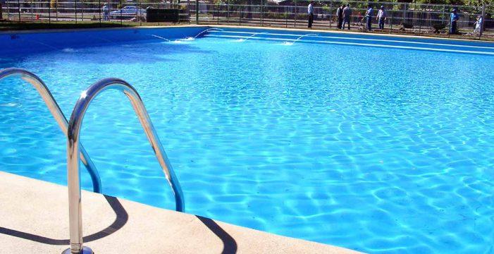 Denuncian el uso de combustibles fósiles para calentar las piscinas en los hoteles de Canarias