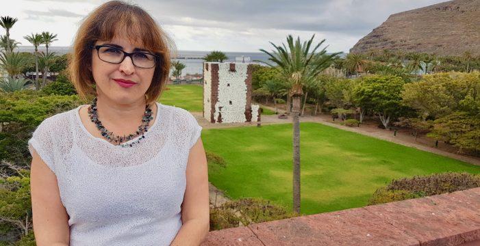 Elena García consejera de Deportes del Cabildo, nos acerca el Triatlón de La Gomera