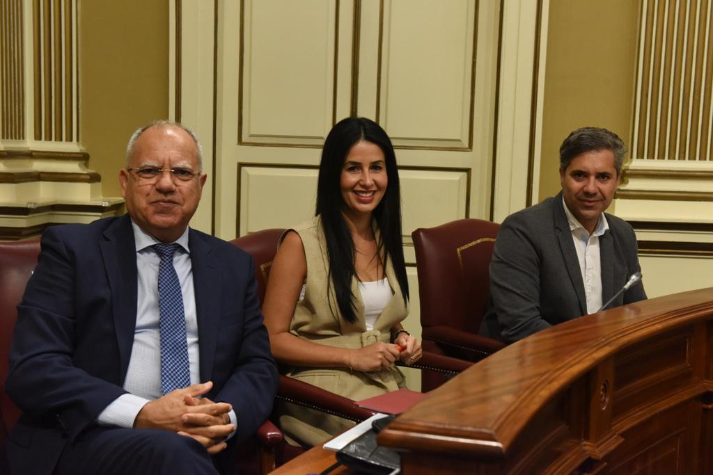 Casimiro Curbelo, Melodie Mendoza y Jesús Ramos, de ASG. / DA