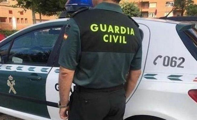 La Guardia Civil se suma a la búsqueda de cinco pateras rumbo a Canarias con 143 personas