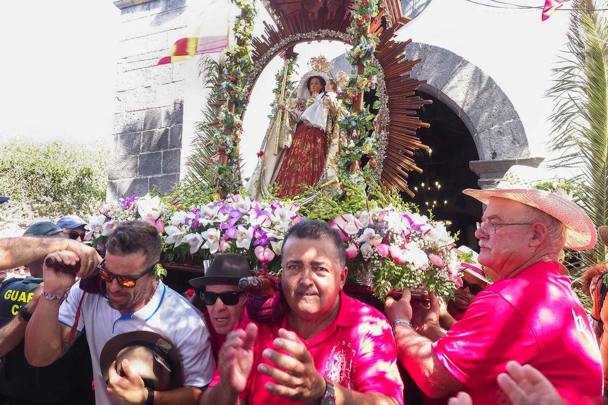 Más gente y la misma devoción por El Socorro. Sergio Méndez