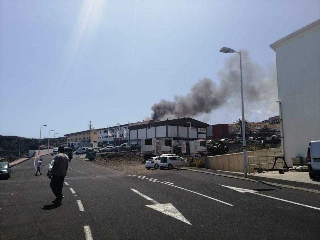 Arde palé cooperativa Breña Baja LOS DRAGOS