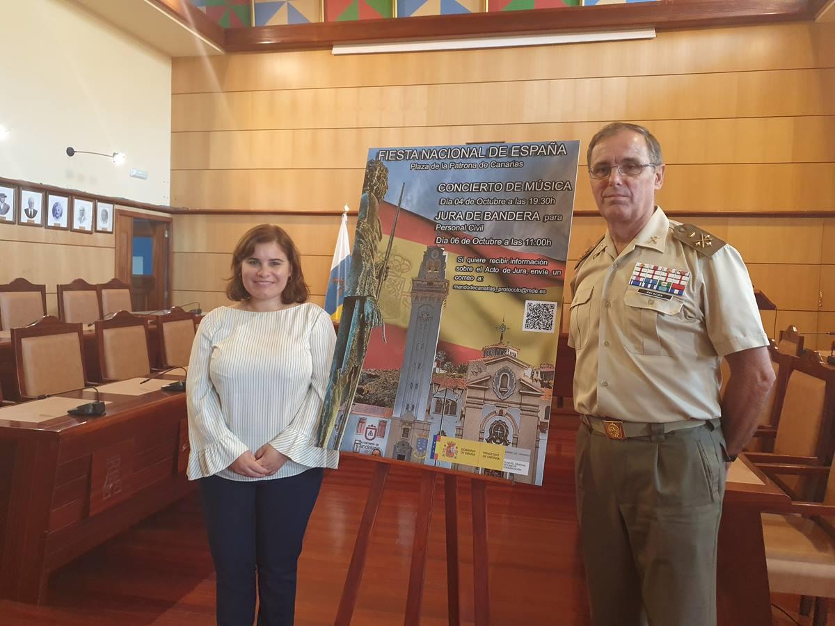 Mari Brito, alcaldesa de Candelaria, y Carlos Palacios, teniente general jefe del Mando de Canarias. DA