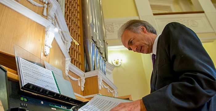 El gran órgano de la iglesia de El Médano sonará el sábado con música antigua