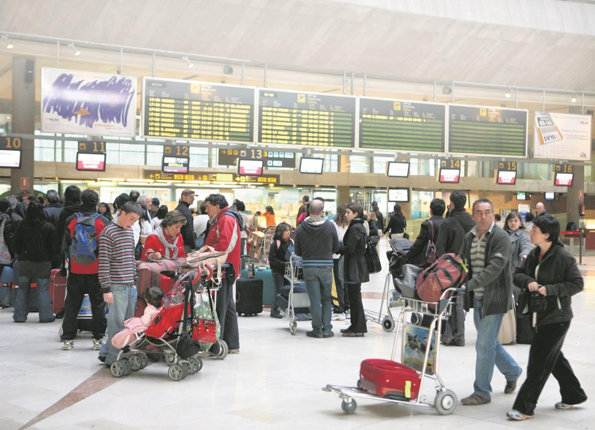 El turismo sigue en caída libre en Canarias: baja casi el 8% en julio