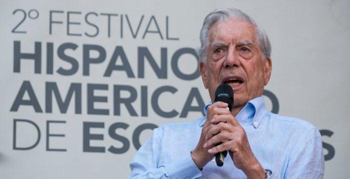 Vargas Llosa cautiva en la apertura del II Festival Hispanoamericano