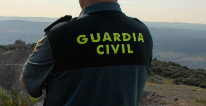 Un fallecido y dos heridos al caer con el coche por un barranco en La Palma