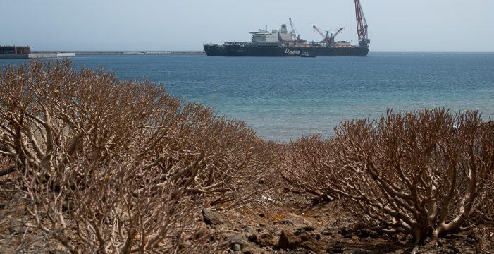 Hoy llega al puerto de Granadilla el mayor barco de construcción del mundo